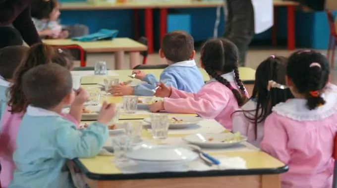 Il 7 ottobre inizierà la mensa scolastica