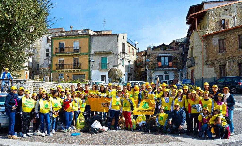 Puliamo il mondo: a Petilia e Roccabernarda azione di pulizia con i volontari e le scuole