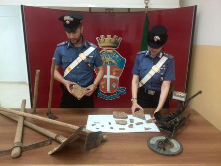 Arrestati tombaroli a Capocolonna