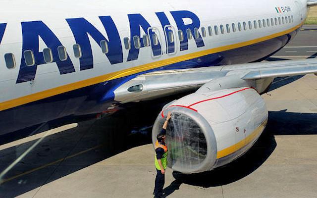 Voli tagliati all'aeroporto di Crotone