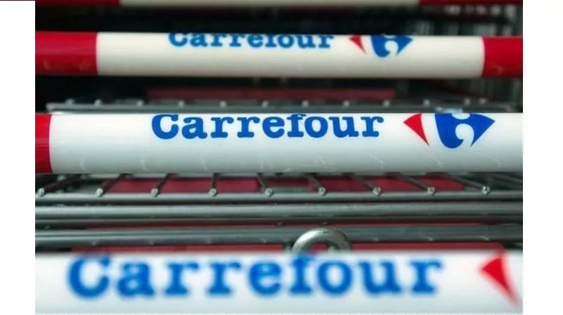 Carrefour Crotone chiude senza preavviso, Possibile: inaccettabile