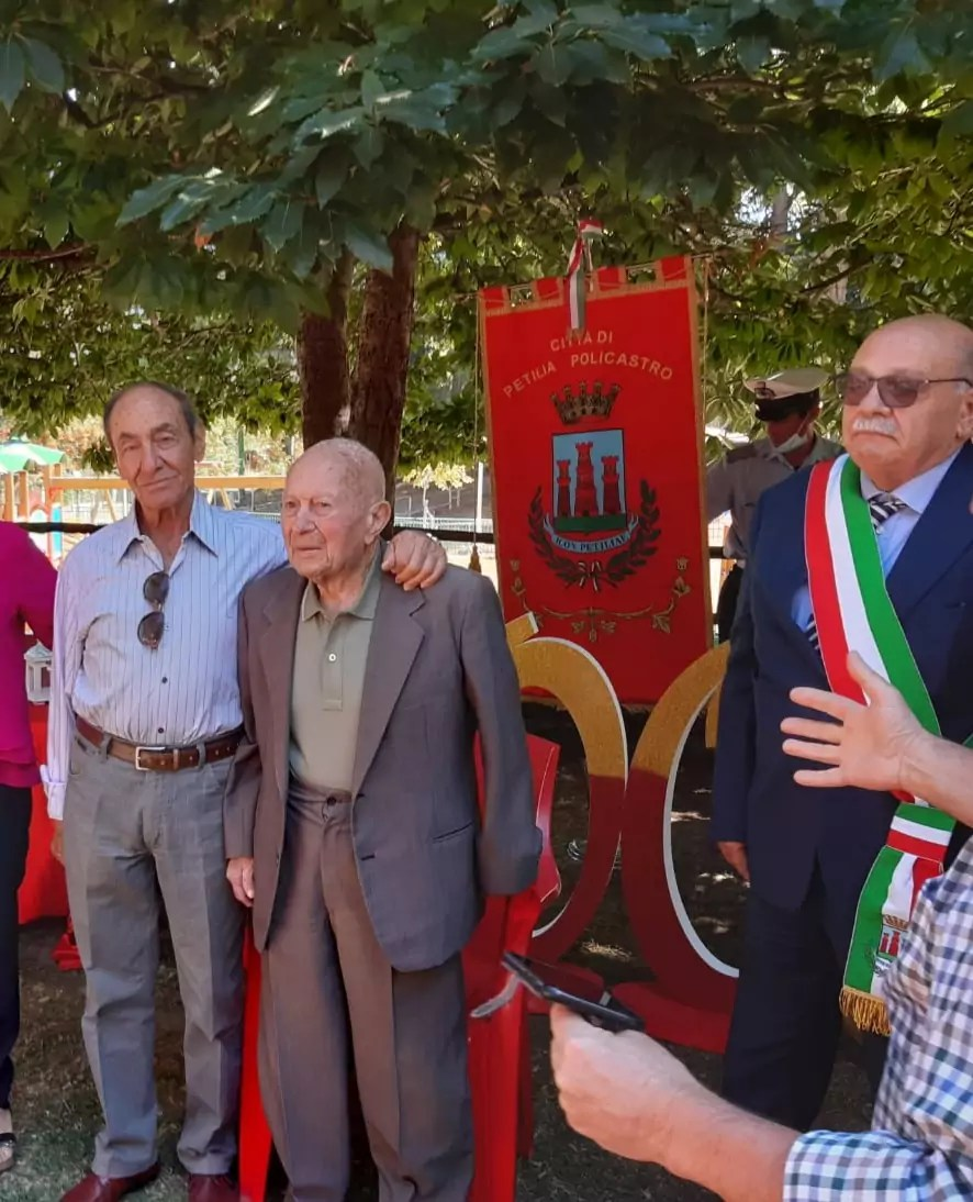 Petilia festeggia i 100 anni di Luigino Comberiati