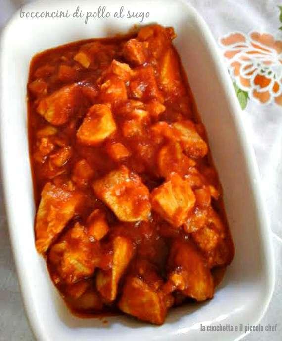Bocconcini di petto di pollo al sugo di pomodoro Ricetta