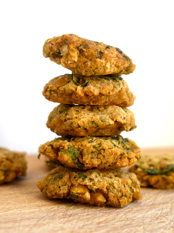 This recipe for Crispy Oven-Baked Falafel is egg-free and contains very little oil. Super healthy yet perfectly crispy and great addition to Greek-themed salads or pita wraps.