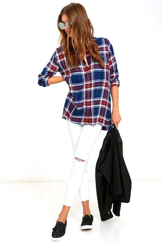 OLIVE & OAK SOMETHING BORROWED NAVY BLUE PLAID BUTTON-UP TOP