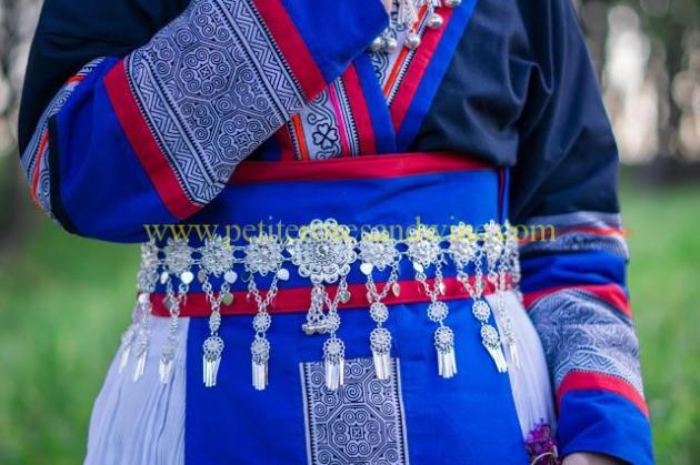 km-03235 Hmong Outfit:: Batik & Silver DIY OUTFITS
