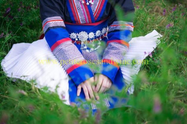 km-03280 Hmong Outfit:: Batik & Silver DIY OUTFITS