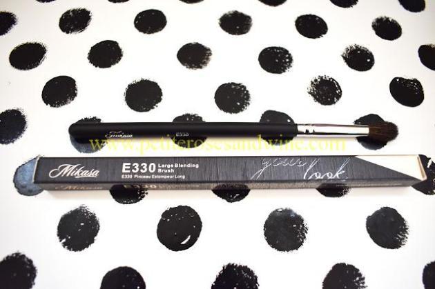 MikaasaE330LargeBlendingBrush Mikasa Beauty Brushes:: Complete Eye Set & Lemon Drop Review MAKEUP