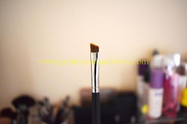 Mikasa100AngeledLinerBrushCloseup Mikasa Beauty Brushes:: Complete Eye Set & Lemon Drop Review MAKEUP