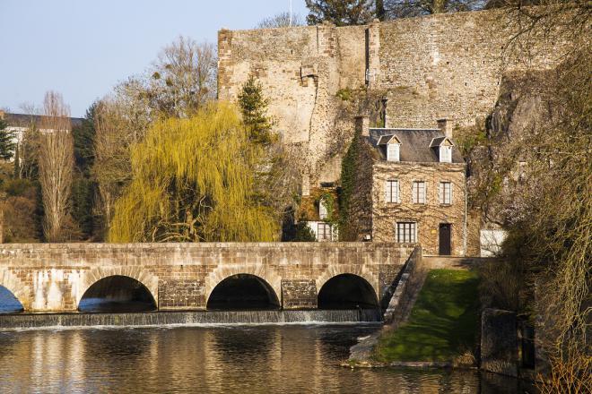 Fresnay-vue sur le pont-crédit J.-P. Berlose