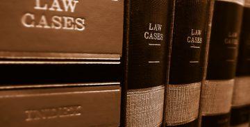 Дебели книги . правни консултации