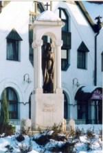 szent-borbala-szobor-tatabanyan