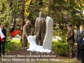Esterházy szobrának leleplezése