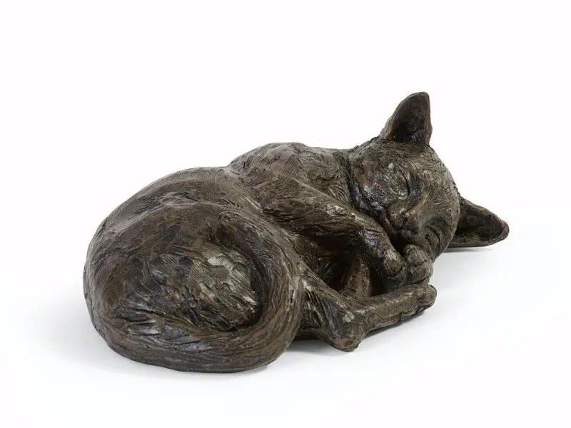 Beautiful figurine cat urns for pet cat ashes. Can be personalised.