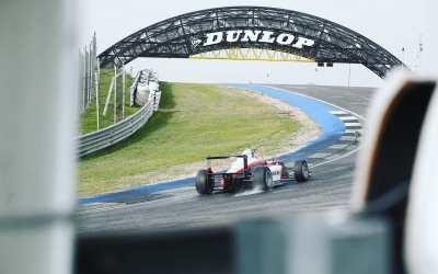 Léna Bühler, finds speed on the Jarama circuit