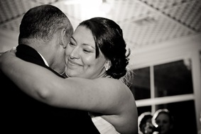 bride hugging father at Mt. Airy Mansion in Upper Marlboro Maryland