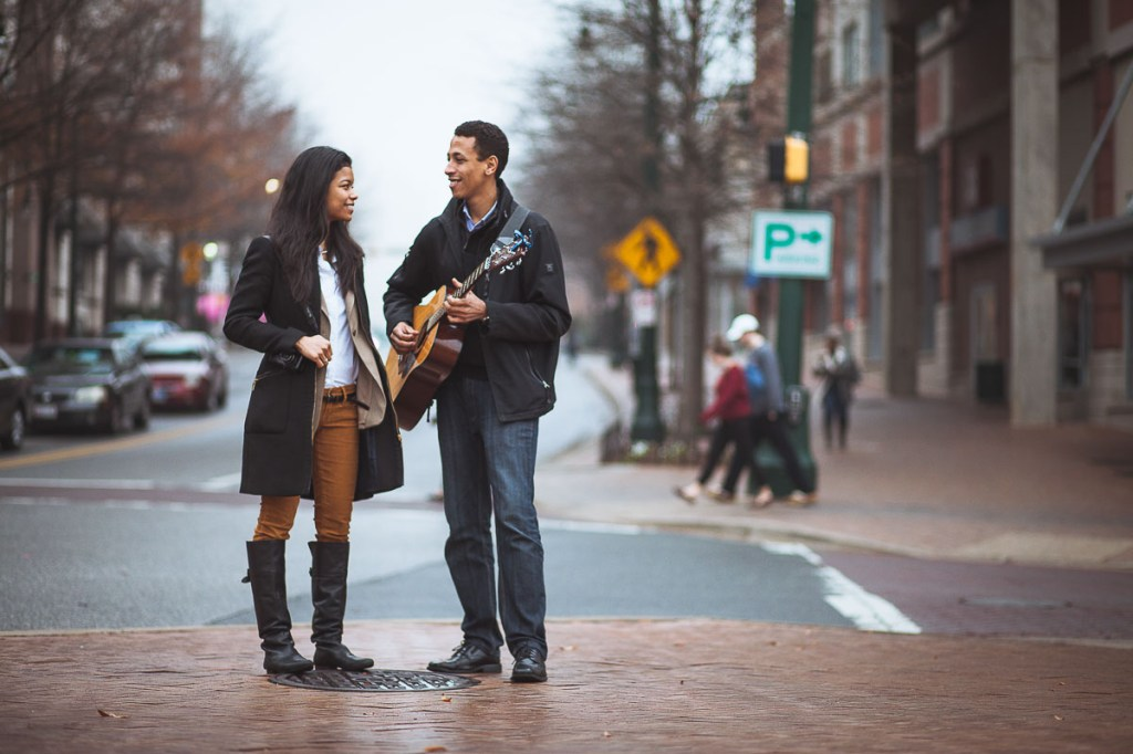 guitar-in-the-rain-date-engagement-session