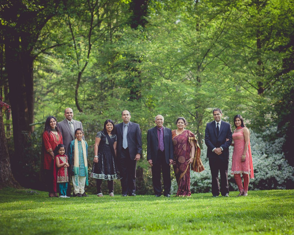 family-reunion-portrait-at-mccrillis-gardens