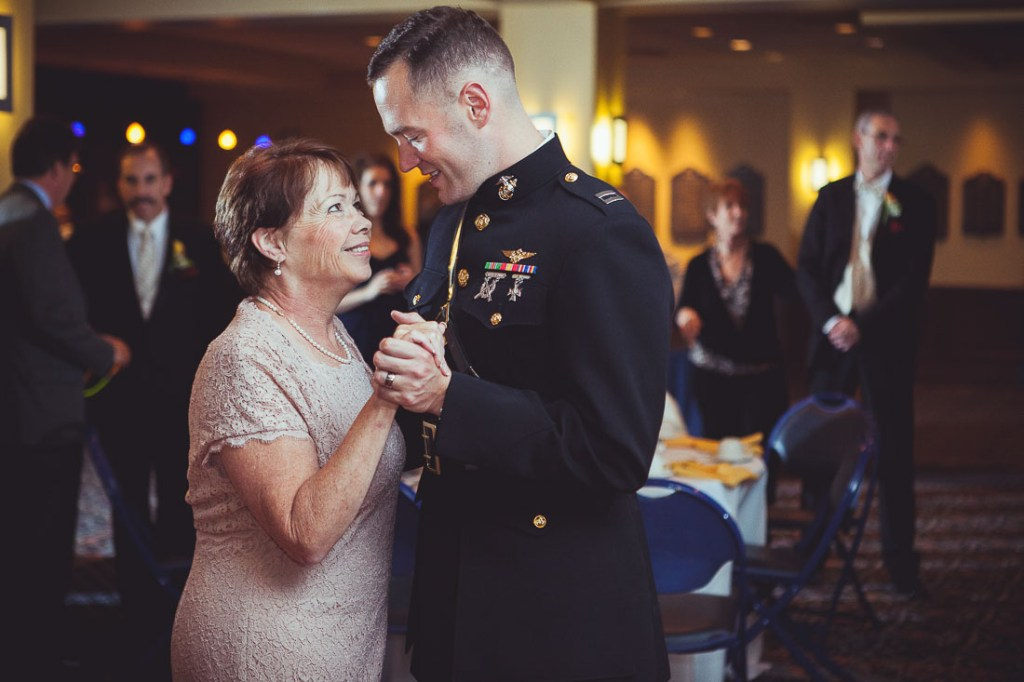 groom-and-mother-dance