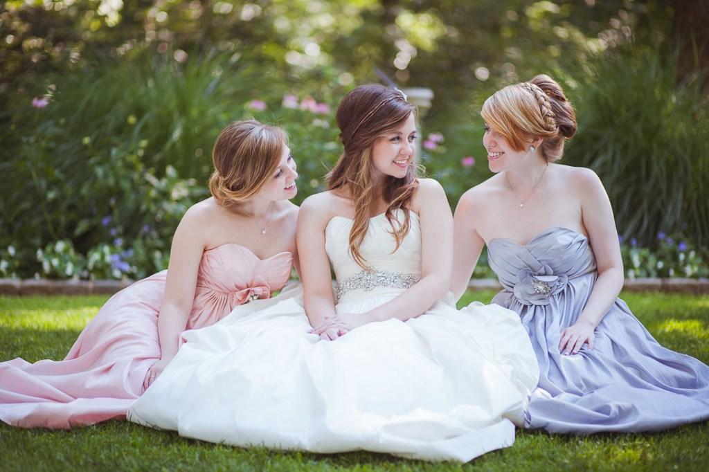 sisters-wedding-photo
