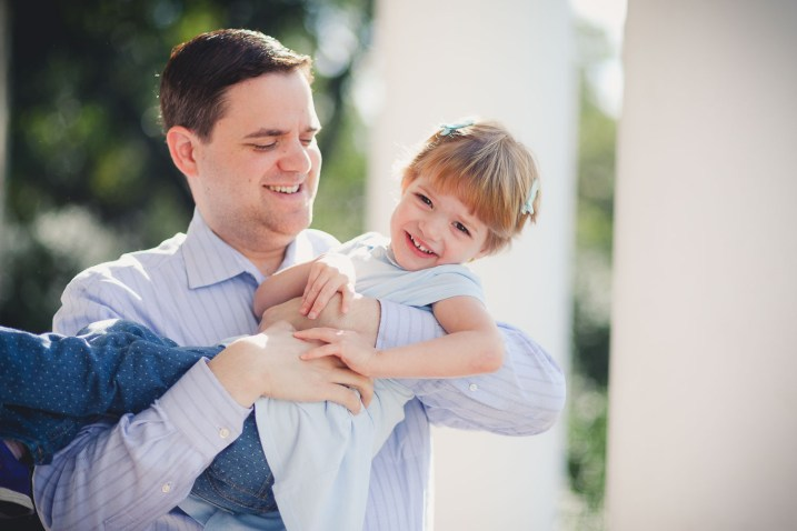 beautiful-family-revisits-the-glenview-mansion-petruzzo-photography-07