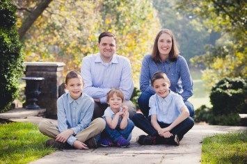 beautiful-family-revisits-the-glenview-mansion-petruzzo-photography-14