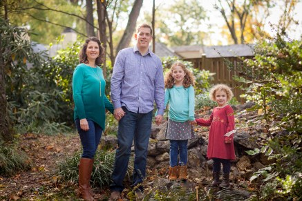petruzzo-photography-family-in-the-forest-bethesda-10
