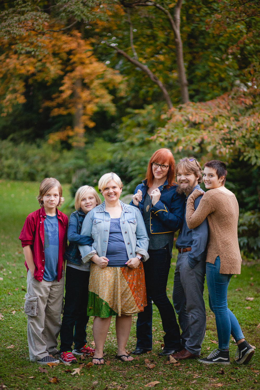 petruzzo-photography-big-family-in-bethesda-maryland-mccrillis-gardens-12