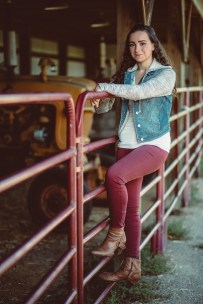 Senior Portraits at Kinder Farm Park with Greg Ferko 10