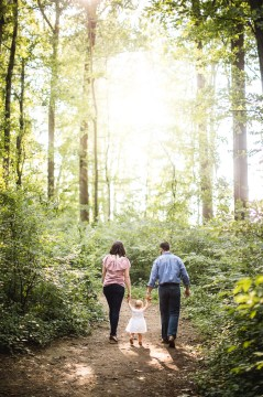 A Multi-Family Portrait Session at Irvine Nature Center in Owings Mills 12