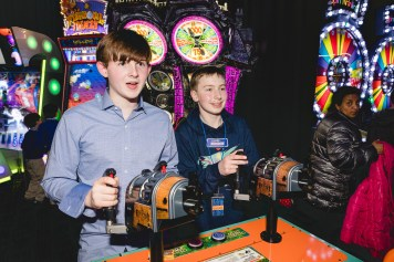 A Bar Mitzvah at Dave and Busters Petruzzo Photography Felipe Sanchez 30