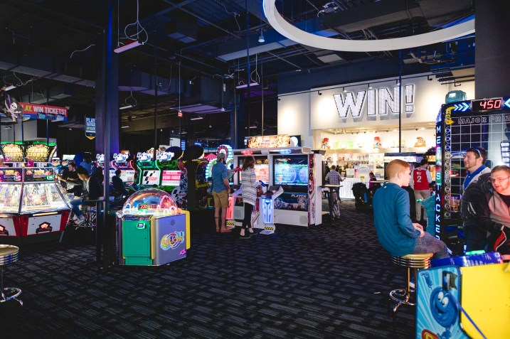 A Bar Mitzvah at Dave and Busters Petruzzo Photography Felipe Sanchez 31