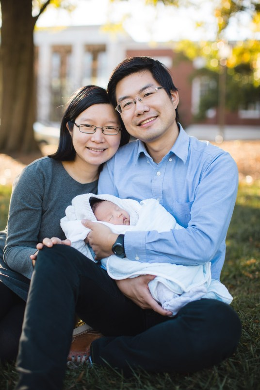 Meeting the Newborn on the Johns Hopkins Campus in Baltimore 04