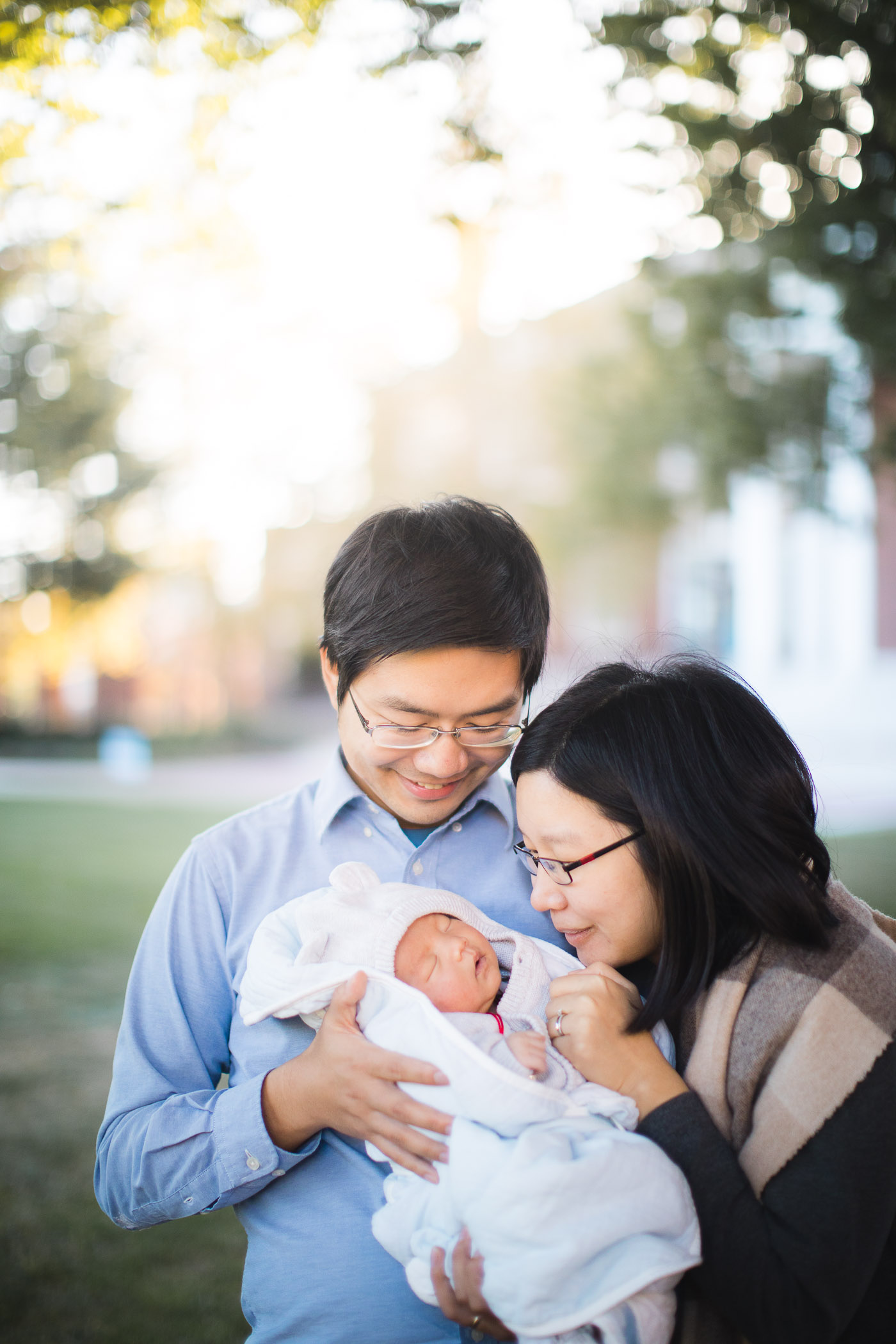 Meeting the Newborn on the Johns Hopkins Campus in Baltimore 17