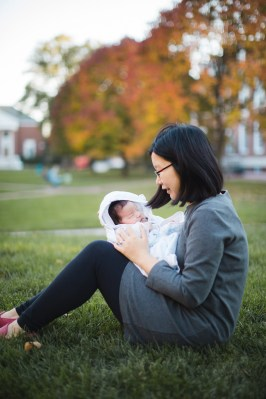 Meeting the Newborn on the Johns Hopkins Campus in Baltimore 24