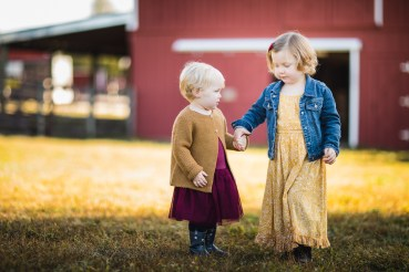 A Colorful Two-Part Autumn Family Session from Felipe 17