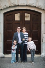 A Family Portrait at The National Portrait Gallery & The Supreme Court Grounds 22