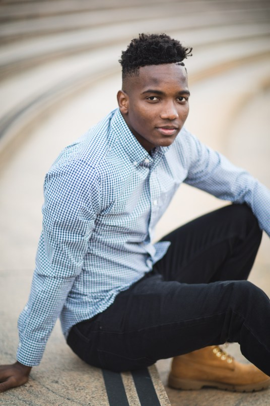 A Meandering Senior Portrait Session on the Streets of Downtown DC 13