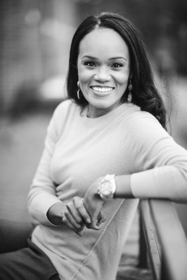 A Quick Hassle-Free Headshot Session in Annapolis 11