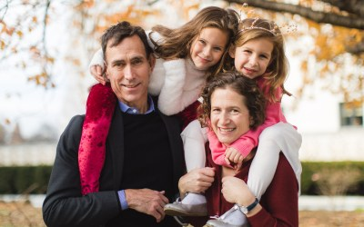 Wandering the Grounds Around the Supreme Court for This Family Portrait Session