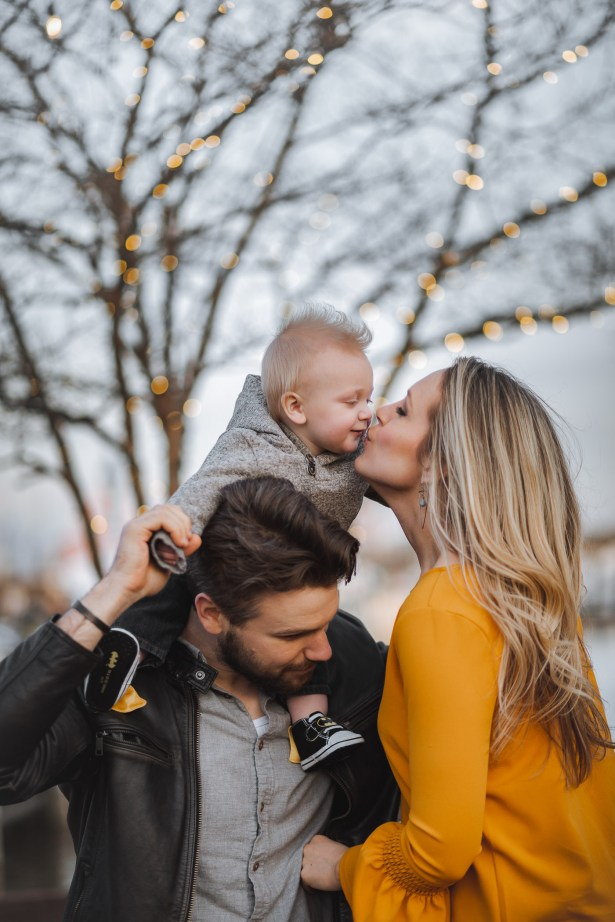 Sunset Family Portraits with Greg on the Streets of Downtown Annapolis 18