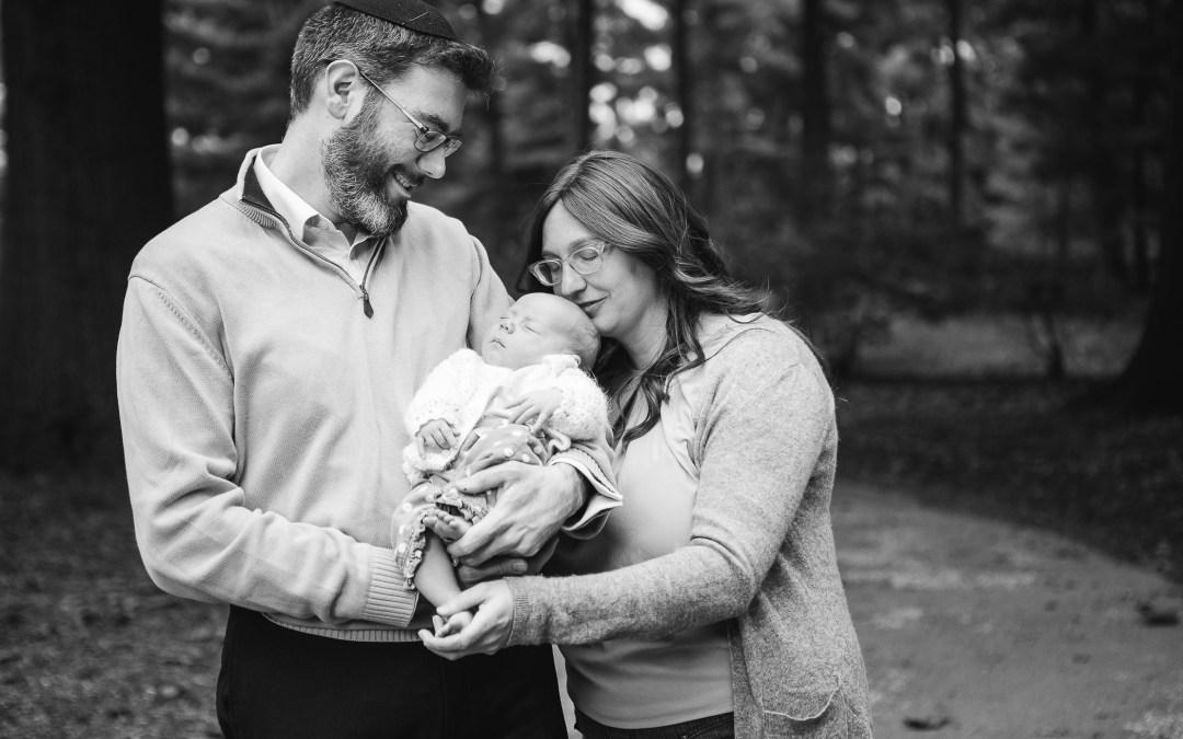Lyndon Baines Johnson Memorial Grove Family Portraits | Seth & Ali's Extended Family in the Rain