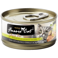 Fussie Cat Premium Tuna with Mussels Can Food.