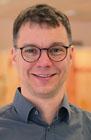 Das Foto zeigt ein Portrait von Nils Raupach