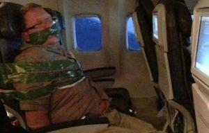 Le passager bâillonné du vol FI615 reliant l'Islande à New York le 5 janvier 2013 - Photo-tumblr