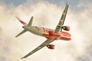 La compagnie Low Cost Air Asia croît à une vitesse incroyable en Asie. Ses tarifs abordables sont-ils signe d'un manque de fiabilité ?