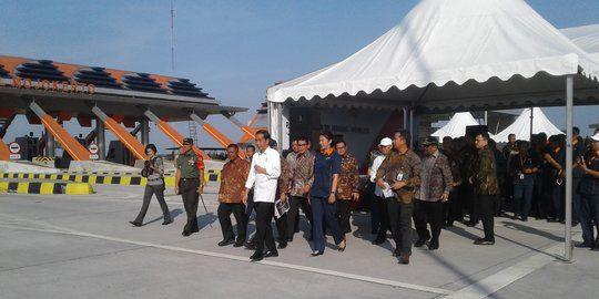 Presiden Jokowi Resmikan Tol Jombang-Mojokerto