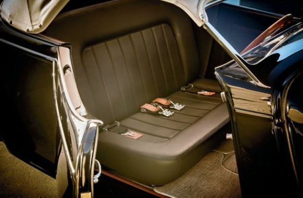 1933-ford-roadster-new-interior