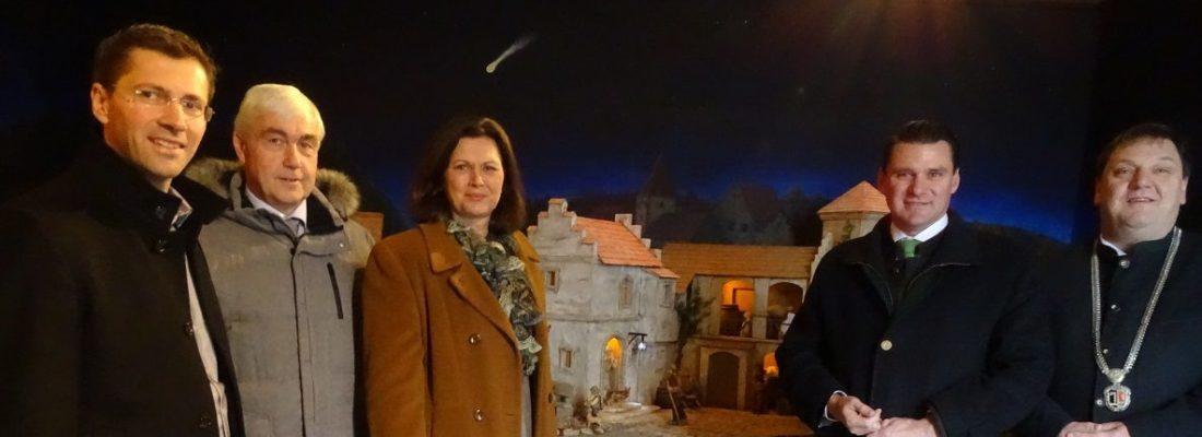 Landtagspräsidentin besucht Krippe in der Pfarrkirche