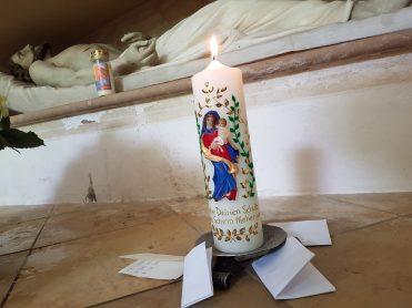 Votivkerze für die Anliegen der Pfarrei